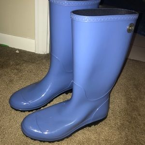 UGG RAINBOOTS. ONLY WORN 3 TIMES!